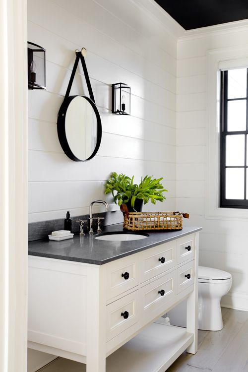 Baie retro mobilier alb blat negru oglinda rotunda
