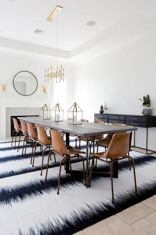 sufragerie cu lustra masa de 12 persoane si mobilier retro