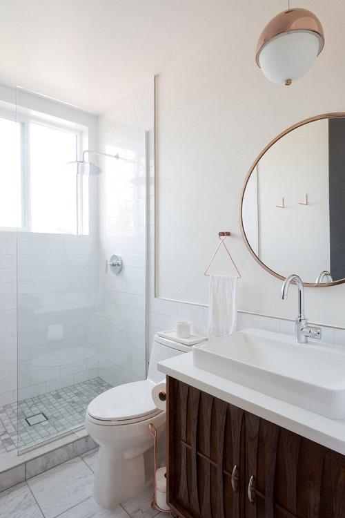 Perete de sticla dus in baie oglinda rotunda