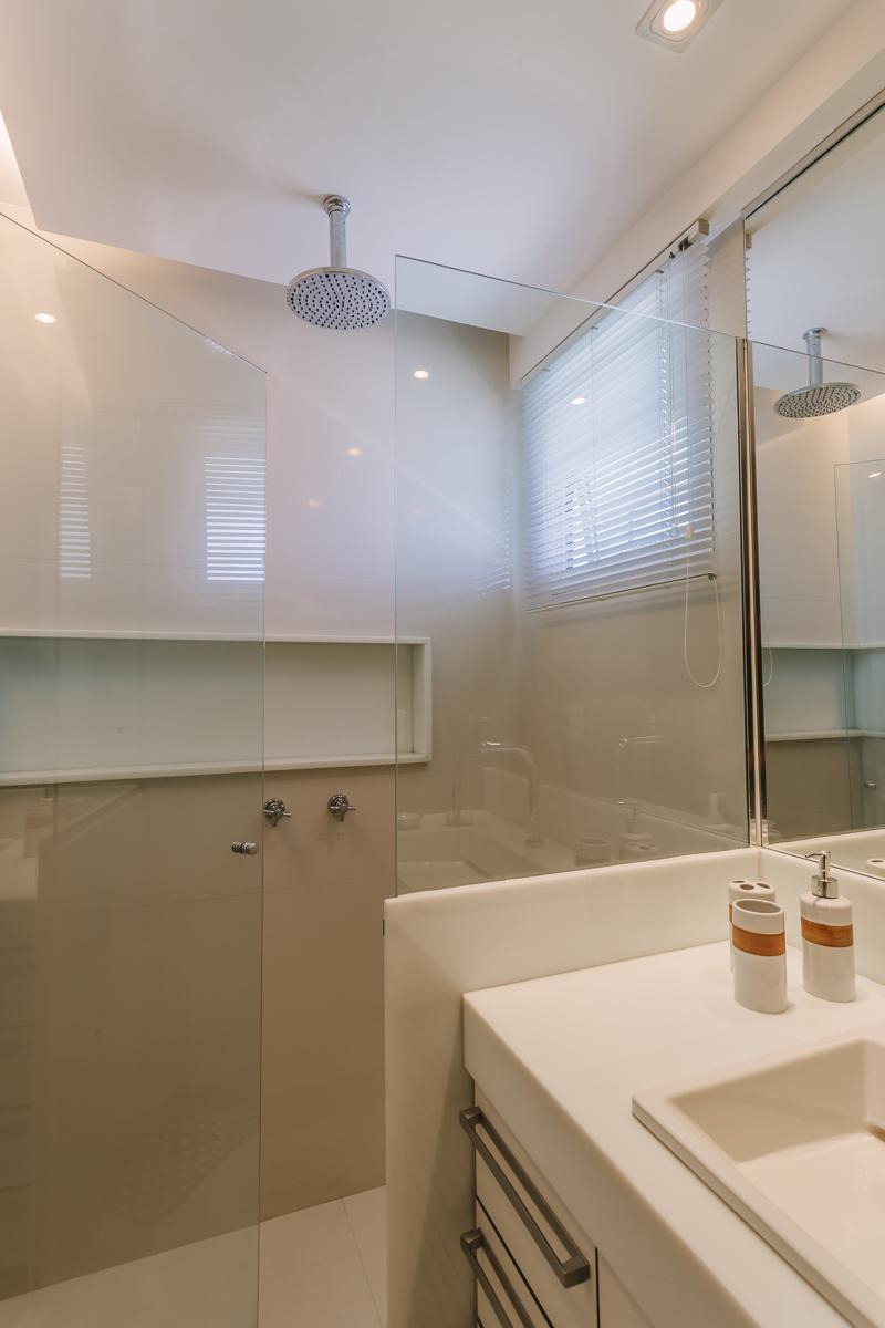 amenajare baie moderna paravan sticla dus