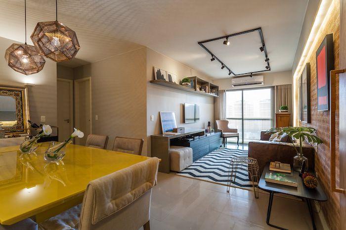 amenajare apartament trei camere stil modern retro canapea maro din piele