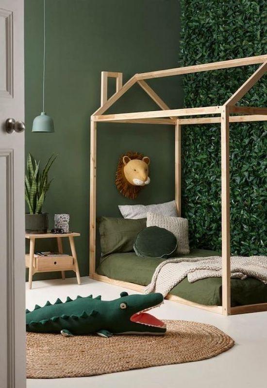 mobilier camera baieti patut din lemn