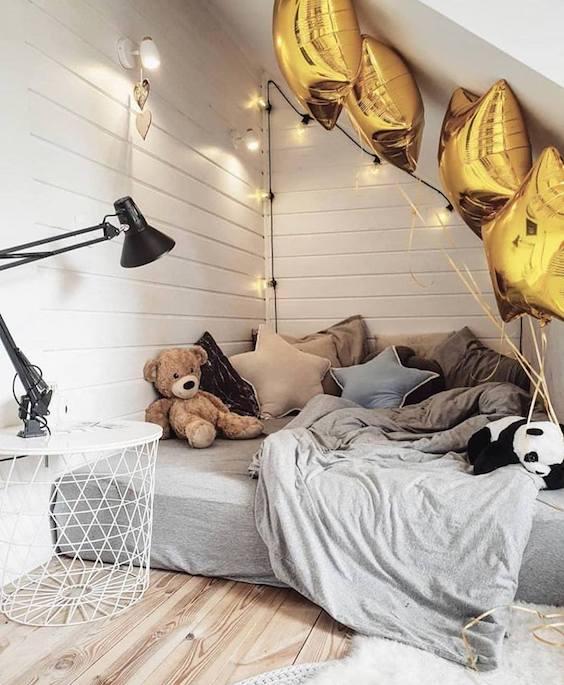Idee amenajare dormitor in mansarda