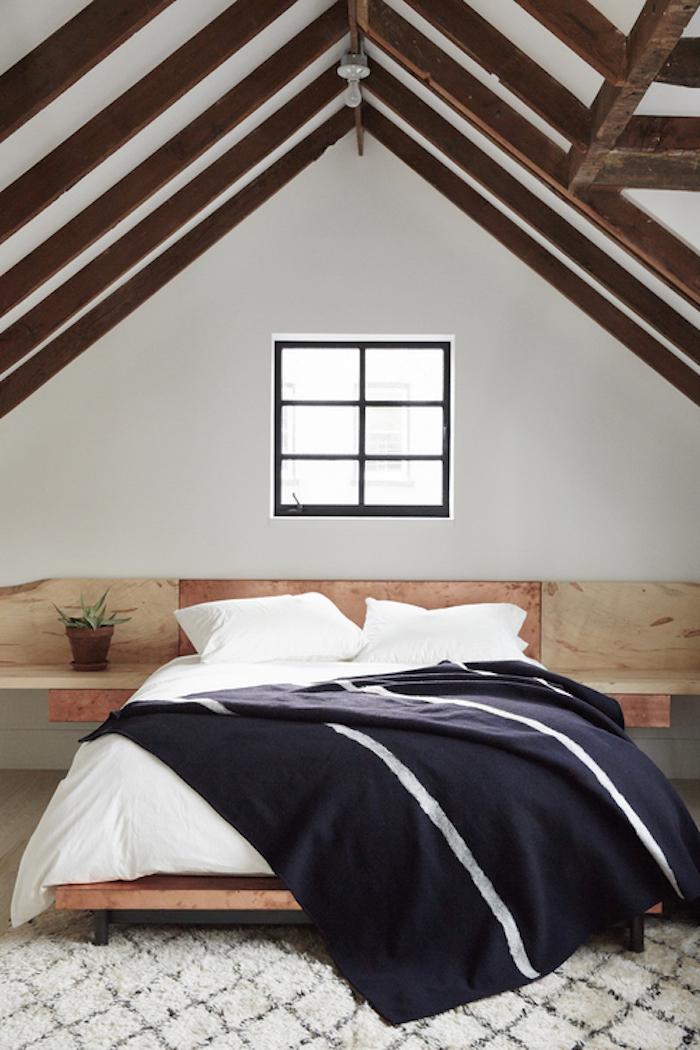 amenajare mansarda dormitor idei moderne