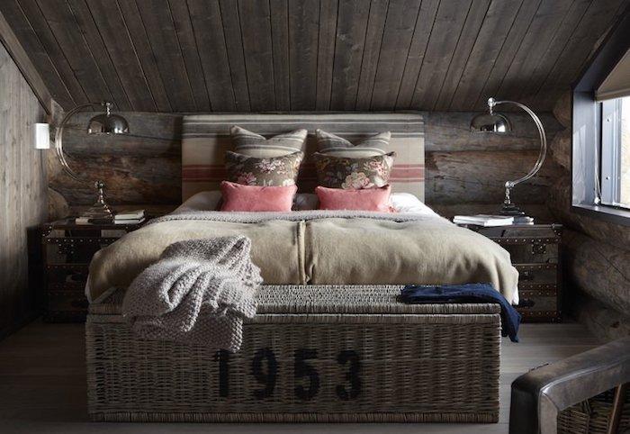 dormitor in mansarda amenajare dormitor in mansarda clasic