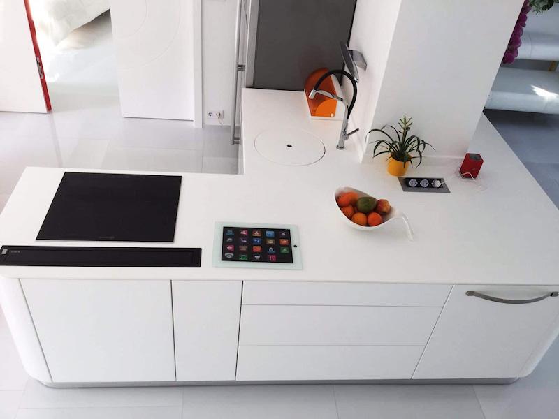 bucatarie alba mobilier bucatarie in apartament modern 2 camere