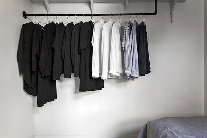 cuier dormitor Amenajare apartament mic de 46 m2 in accente gri