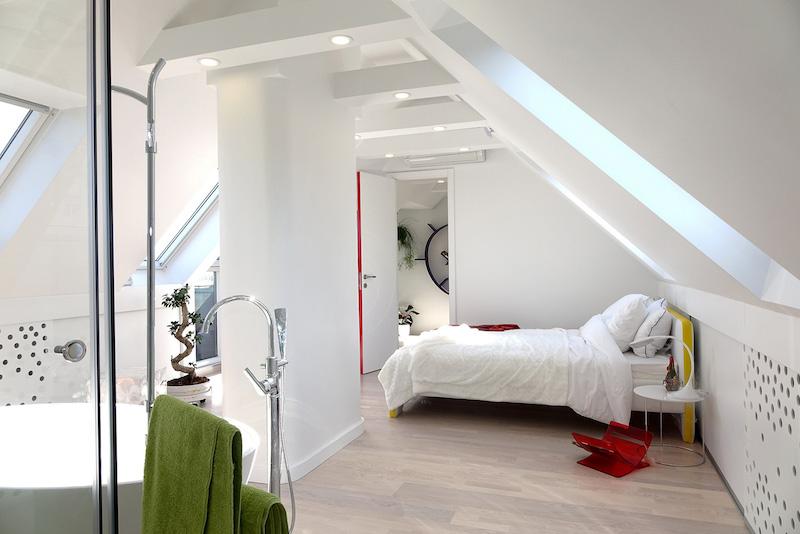 dormitor mansarda interior apartament 2 camere