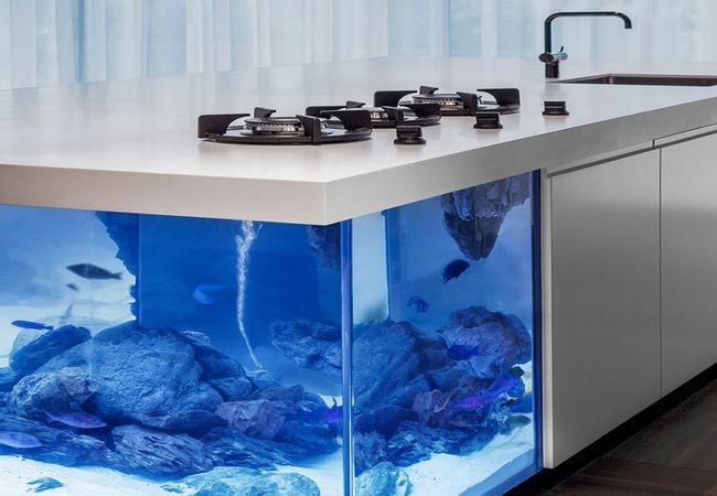 bucatarie-cu-acvariu-bucatarie-moderna-Ocean-Kitchen-by-Robert-Kolenik_2-650x450