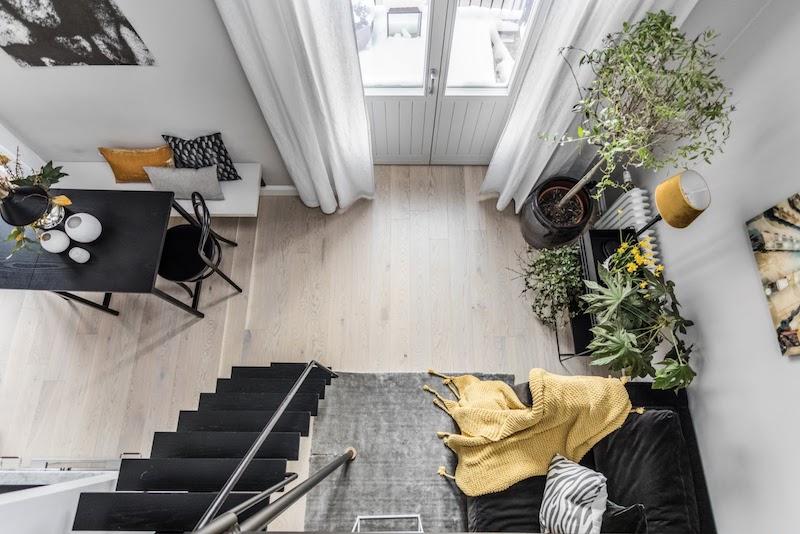 amenajare dormitor modern simplu in mansarda garsoniera 31 m2