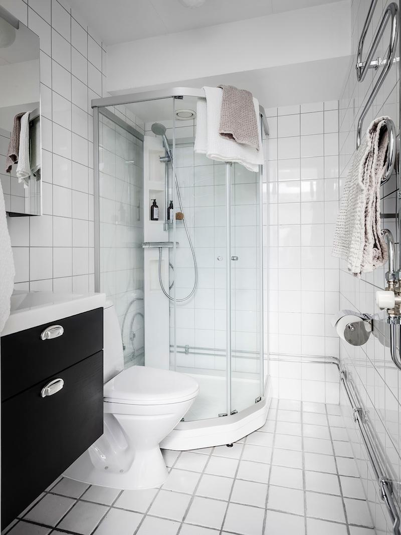 amenajare mansarda de 30 m2 bucatarie living si dormitor