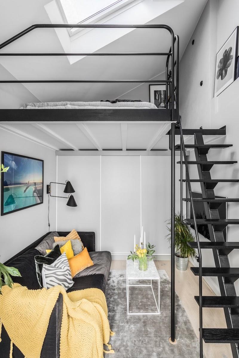 idei amenajare dormitor mic deasupra livingului într-o garsonieră de numai 31 m2