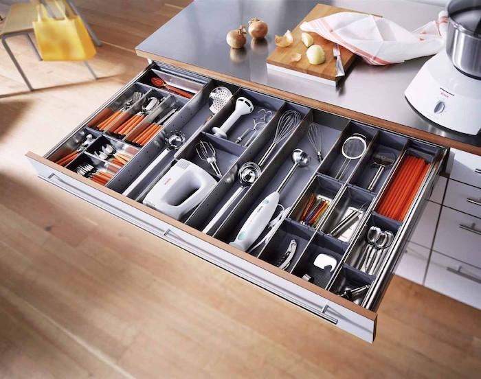 organizare sertar bucatarie separator de sertare