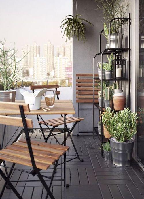 mobila balcon scaun si masa