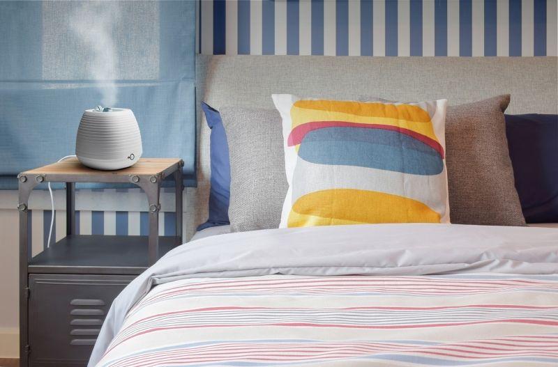 umidificator de aer in dormitor