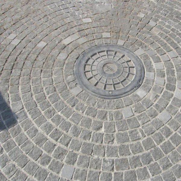 Piatra Cubica Granit Gri Antracit Natur 10 x 10 x 5 cm