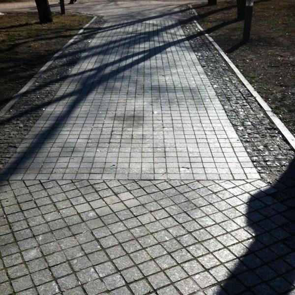 Piatra Cubica Granit Gri Antracit 10 x 10 x 5 cm (Fatetata 4laturi, 1 tona = 7-8mp)