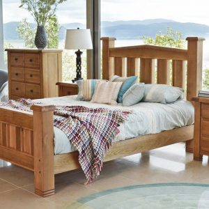 Set Mobila Dormitor din lemn de stejar, cu pat 190 x 135 cm, 4 piese York Oak