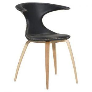 Scaun din piele cu picioare din lemn uşor DAN–FORM Flair, negru