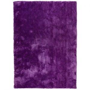 Covor cu smocuri Universal Nepal Violet, 140 x 200 cm