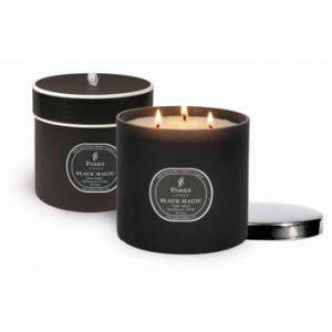 Lumânare Magic Candles, 80 de ore de ardere, aromă paciuli, cedru și vetiver