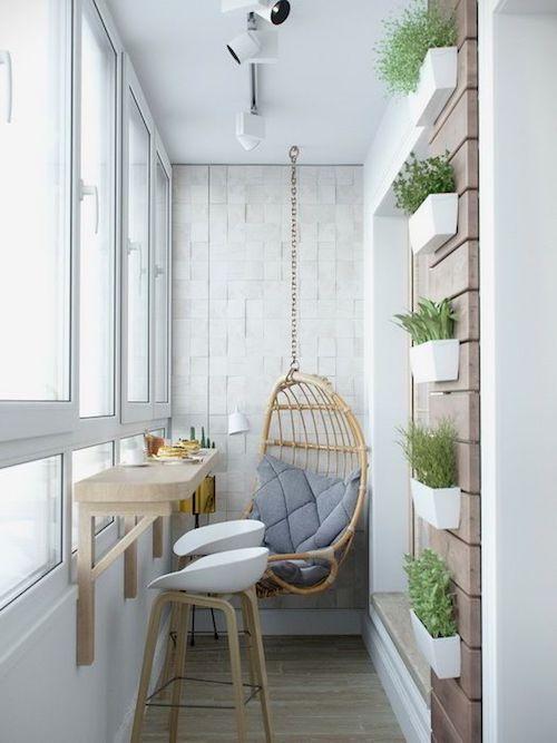 amenajare balcon inchis cu balansoar