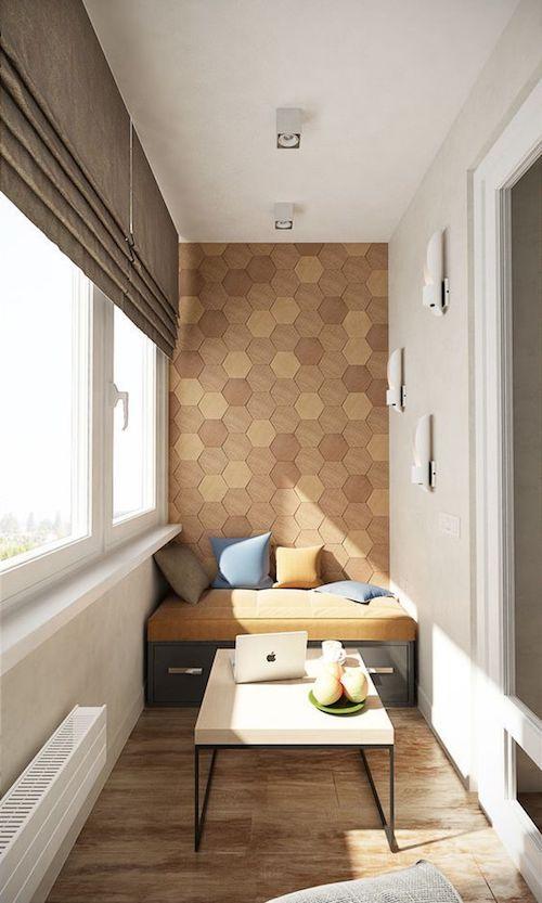 amenajare balcon inchis cu jaluzele si mobilier modern