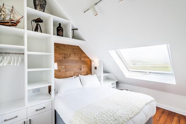idee amenajare dormitor la mansarda