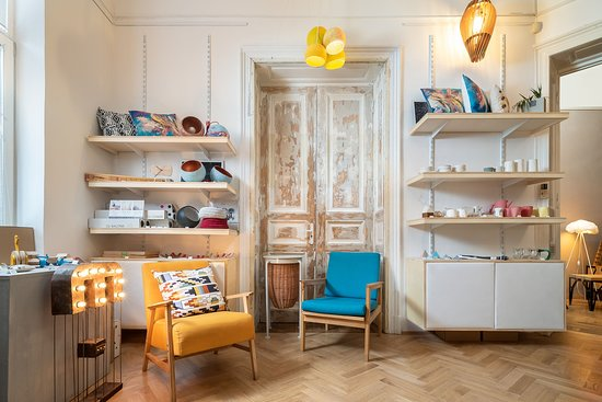 Dizainar magazin de mobila si produse romanesti