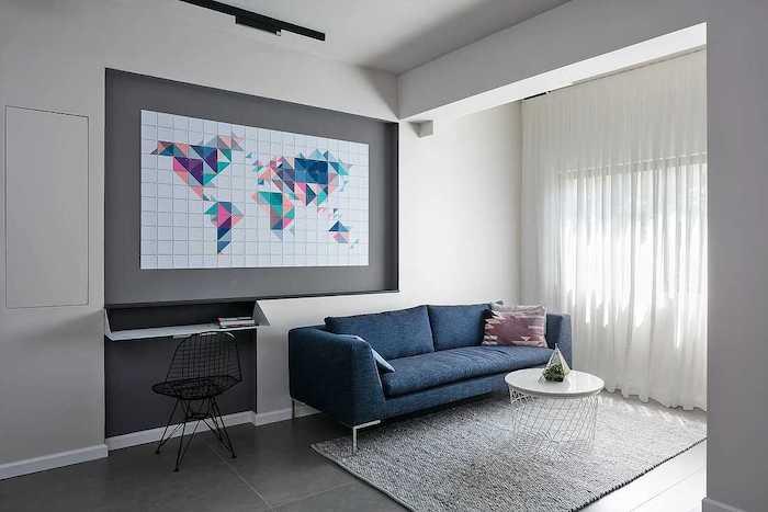 idee amenajare living modern cu canapea albastra intr-o garsoniera