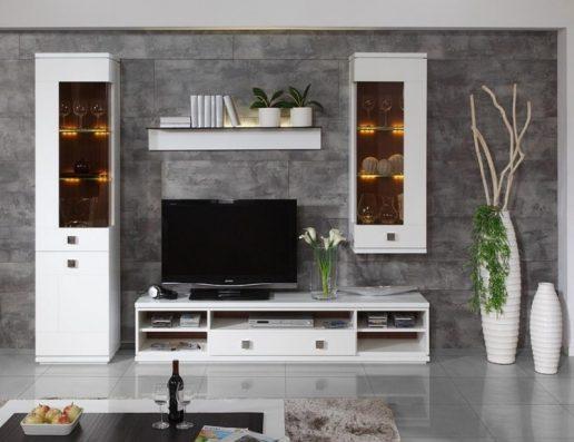 idei amenajare living cu perete gri cu gresie si mobilier alb