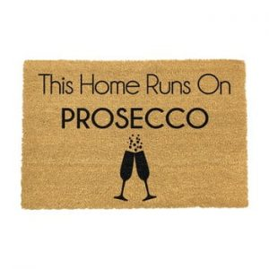 Covoras intrare din fibre de cocos Artsy Doormats This Home Runs On Prosecco, 40 x 60 cm