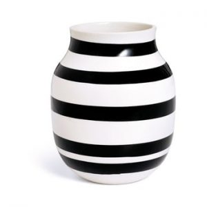 Vaza din gresie ceramica Kähler Design Omaggio, inaltime 20 cm, negru - alb